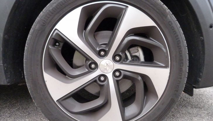 Hyundai Tucson 2.0 CRDi da 185CV ruota