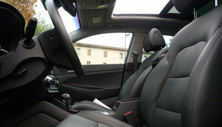 Hyundai Tucson 2.0 CRDi interno sedili.