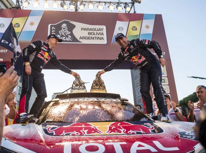 Peugeot vince ancora la Dakar! Podio 100% 3008DKR - Foto 4 di 5