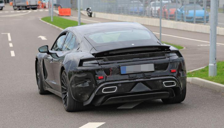 Porsche Mission E: l'elettrica pura su base Panamera - Foto 14 di 29