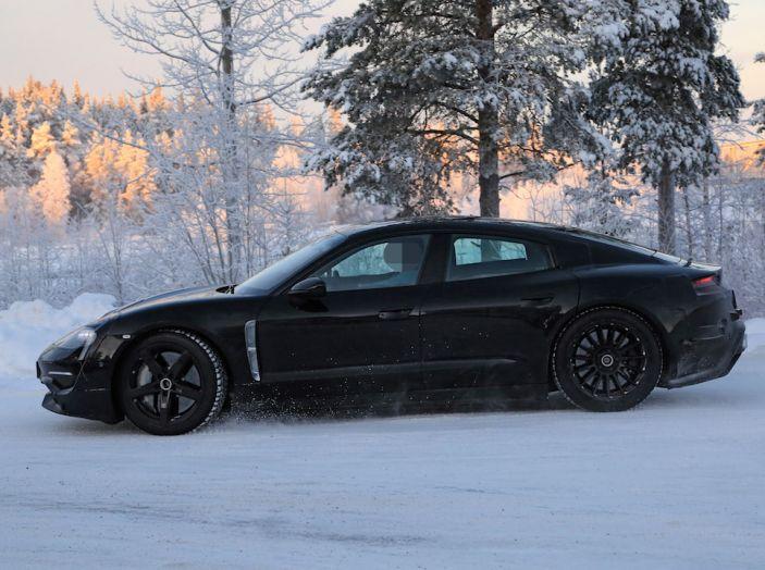 Porsche Mission E: l'elettrica pura su base Panamera - Foto 6 di 29