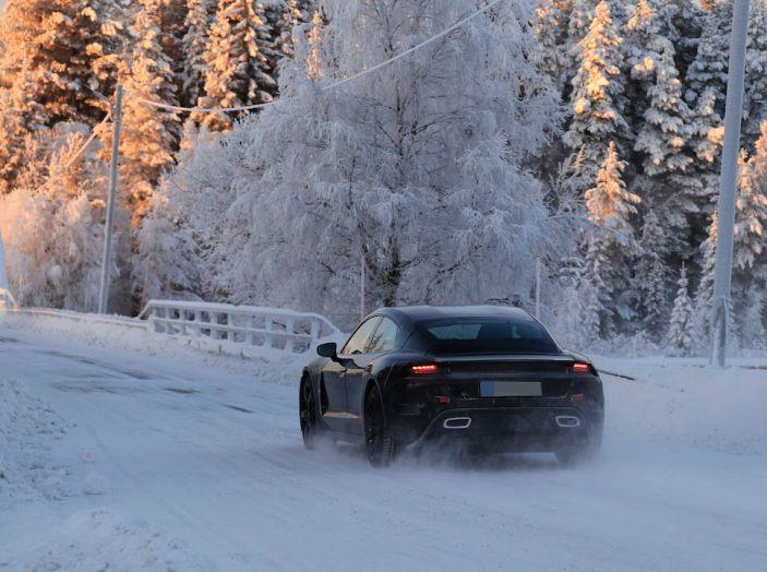 Porsche Mission E: l'elettrica pura su base Panamera - Foto 7 di 29