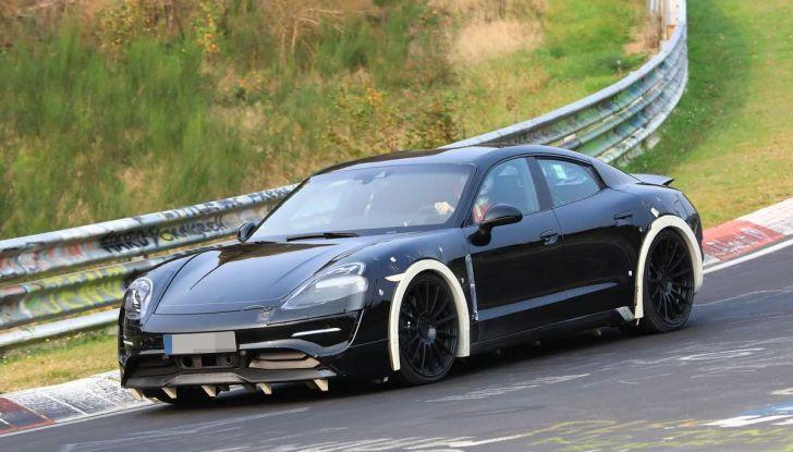 Porsche Mission E: l'elettrica pura su base Panamera - Foto 21 di 29