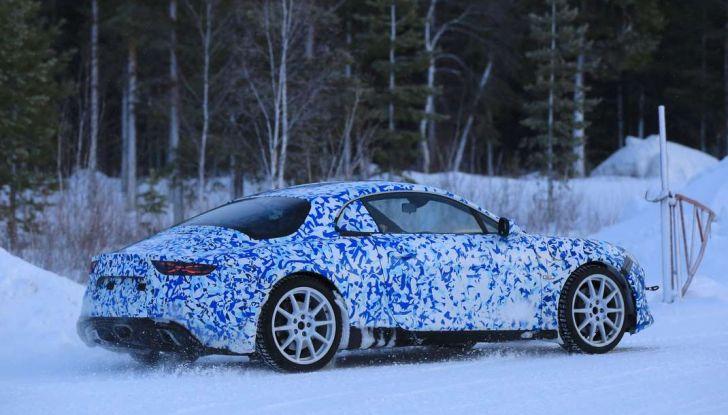 Renault Alpine, le foto spia dei prototipi impegnati nei test invernali - Foto 10 di 11