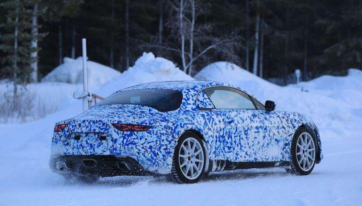 Renault Alpine, le foto spia dei prototipi impegnati nei test invernali - Foto 11 di 11