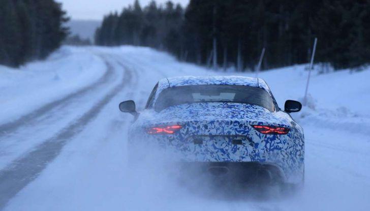 Renault Alpine, le foto spia dei prototipi impegnati nei test invernali - Foto 6 di 11