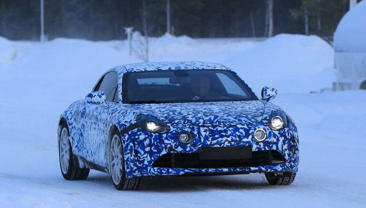Renault Alpine, le foto spia dei prototipi impegnati nei test invernali - Foto 7 di 11