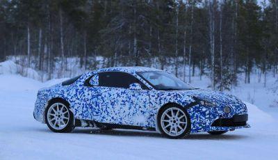 Renault Alpine, le foto spia dei prototipi impegnati nei test invernali