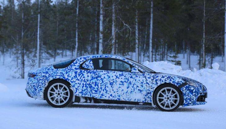 Renault Alpine, le foto spia dei prototipi impegnati nei test invernali - Foto 2 di 11
