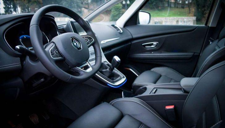 Renault Scenic 1.5 dCi 110 CV, prova su strada e impressioni di guida - Foto 27 di 30