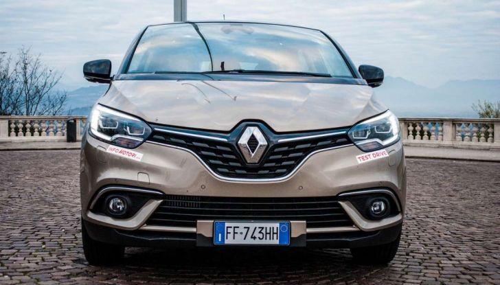 Renault Scenic 1.5 dCi 110 CV, prova su strada e impressioni di guida - Foto 3 di 30