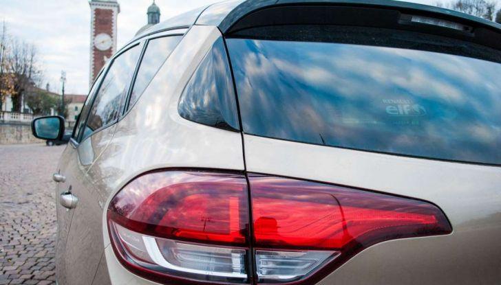 Renault Scenic 1.5 dCi 110 CV, prova su strada e impressioni di guida - Foto 17 di 30