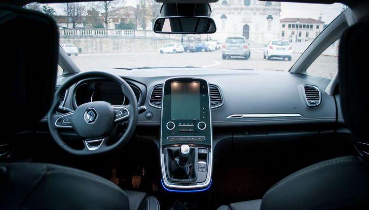 Renault Scenic 1.5 dCi 110 CV, prova su strada e impressioni di guida - Foto 16 di 30