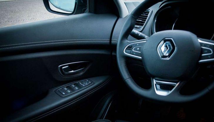 Renault Scenic 1.5 dCi 110 CV, prova su strada e impressioni di guida - Foto 18 di 30