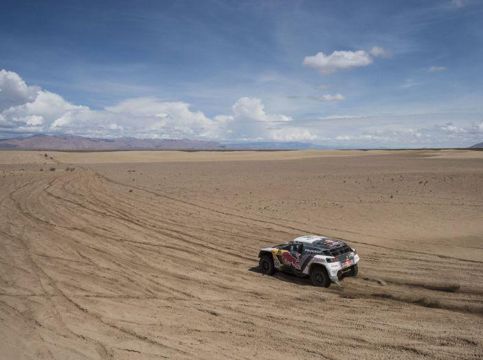 La Peugeot 3008DKR vittoriosa in una quarta tappa complicata - Foto 4 di 5