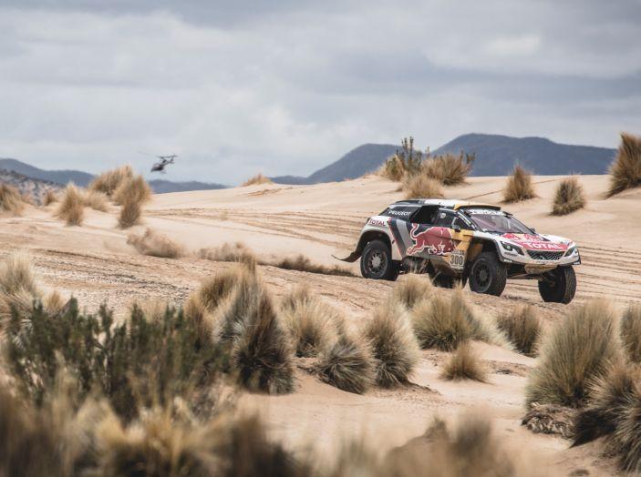 Le Peugeot 3008DKR saldamente in testa alla tappa Marathon - Foto 1 di 6