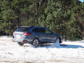 Guidare sulla neve, consigli e informazioni utili
