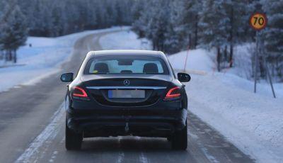 Mercedes Classe C Facelift, prime immagini spia e dettagli del nuovo modello