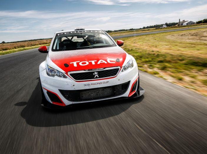 Consegnata la prima Peugeot 308 Racing Cup - Foto 10 di 12