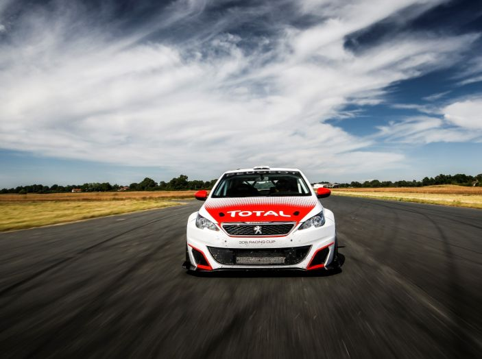 Consegnata la prima Peugeot 308 Racing Cup - Foto 11 di 12