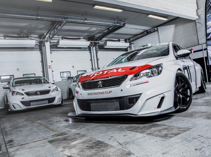 Consegnata la prima Peugeot 308 Racing Cup - Foto 2 di 12