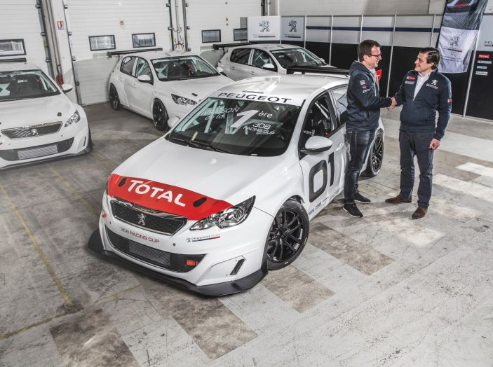 Consegnata la prima Peugeot 308 Racing Cup - Foto 3 di 12