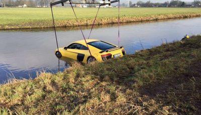 Audi R8 V10 Plus finisce in un fiume in Olanda