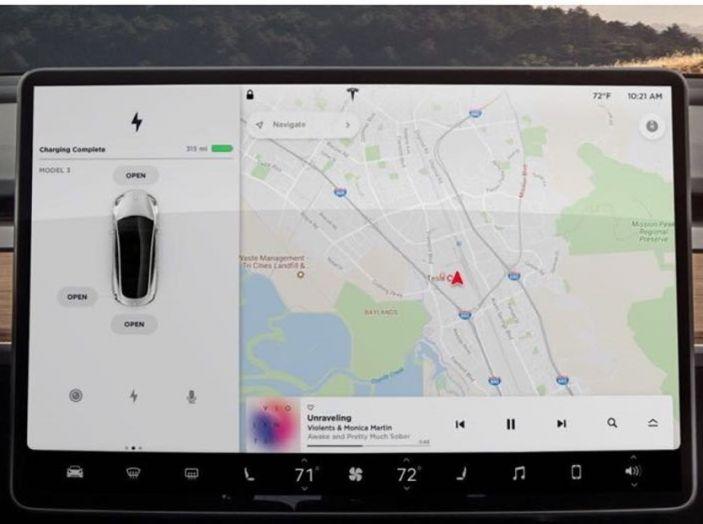Tesla Model 3 arriva con prezzi più alti ed autonomia anche a 500 km - Foto 8 di 11