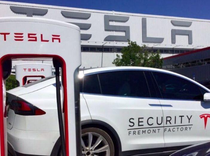Tesla Model 3: al via la produzione, prime consegne a fine luglio - Foto 9 di 11