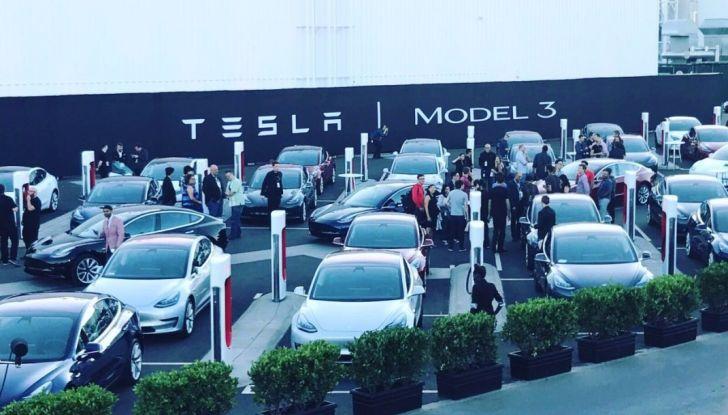 Tesla Model 3, la produzione inizia il 20 febbraio - Foto 5 di 11
