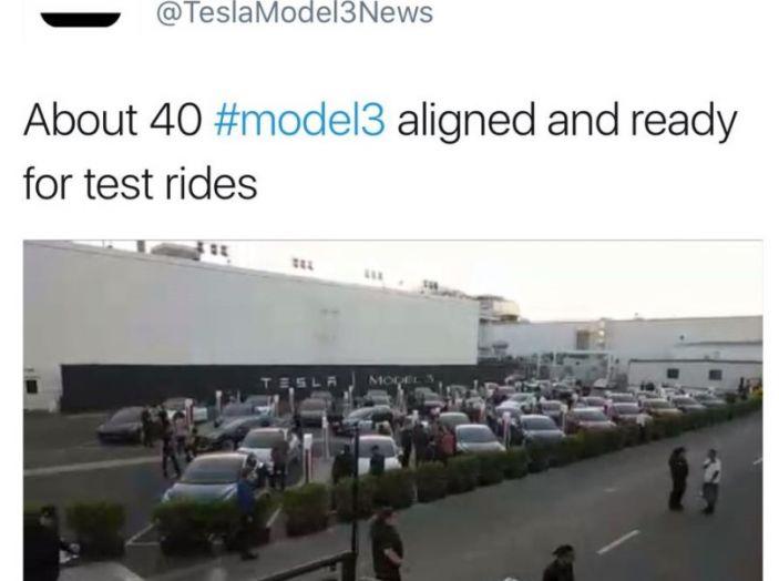 Tesla Model 3: al via la produzione, prime consegne a fine luglio - Foto 10 di 11