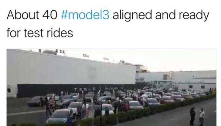 Tesla Model 3, la produzione inizia il 20 febbraio - Foto 10 di 11