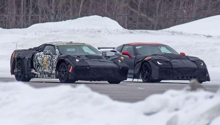 Corvette C8 prime immagini spia della futura generazione a motore centrale (11)