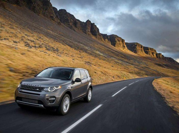 Land Rover Discovery Sport fa ancora arrabbiare i clienti con navigatore e rumorini - Foto 11 di 13