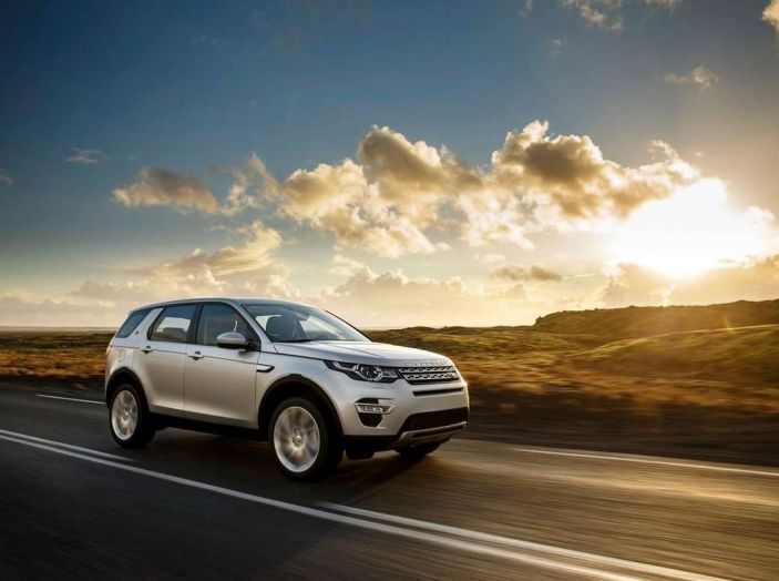 Land Rover Discovery Sport fa ancora arrabbiare i clienti con navigatore e rumorini - Foto 10 di 13
