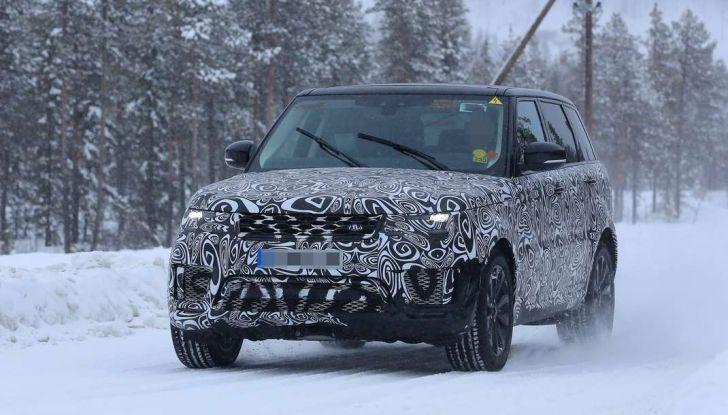 Land Rover Range Rover MY2018 immagini spia del futuro SUV britannico - Foto 12 di 12