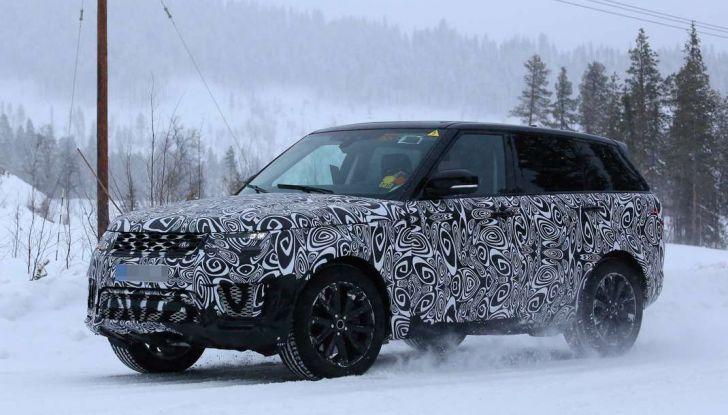 Land Rover Range Rover MY2018 immagini spia del futuro SUV britannico - Foto 1 di 12