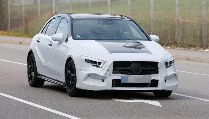 Mercedes-Benz Classe A 2018: design tutto nuovo, infotainment aggiornato - Foto 2 di 33