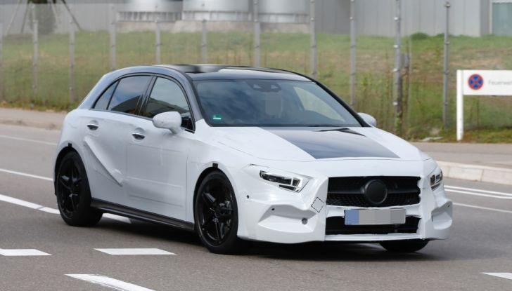 Mercedes-Benz Classe A 2018: design tutto nuovo, infotainment aggiornato - Foto 6 di 33