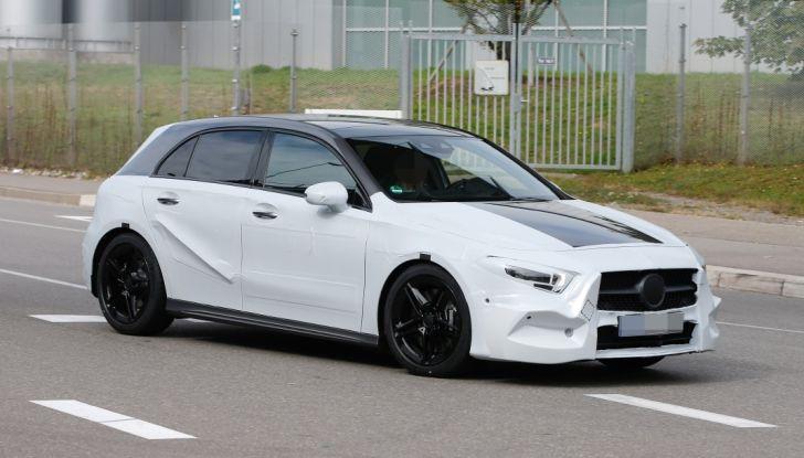Mercedes-Benz Classe A 2018: design tutto nuovo, infotainment aggiornato - Foto 8 di 33