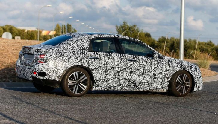 Mercedes-Benz Classe A 2018: design tutto nuovo, infotainment aggiornato - Foto 33 di 33