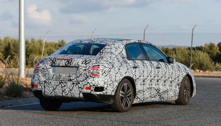 Mercedes-Benz Classe A 2018: design tutto nuovo, infotainment aggiornato - Foto 3 di 33