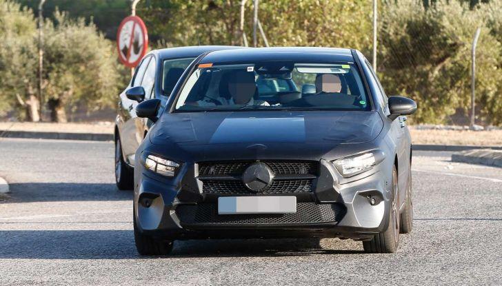 Mercedes-Benz Classe A 2018: design tutto nuovo, infotainment aggiornato - Foto 7 di 33