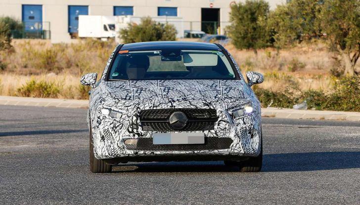 Mercedes-Benz Classe A 2018: design tutto nuovo, infotainment aggiornato - Foto 24 di 33