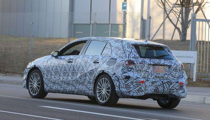 Nuova Mercedes Classe A nuove foto spia 2017.