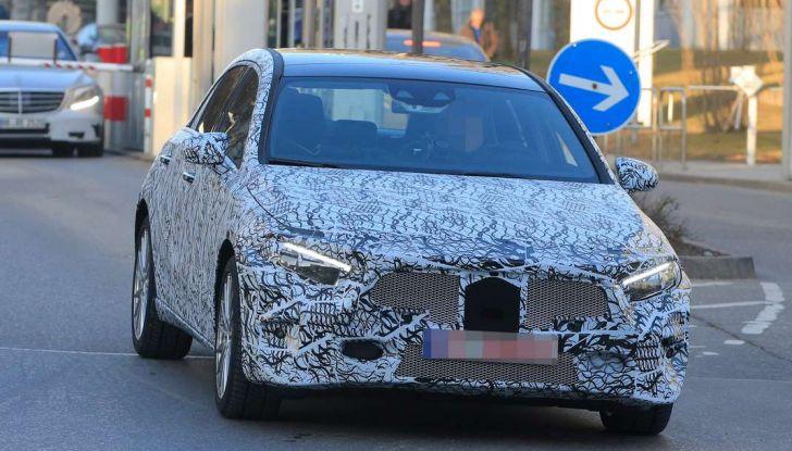 Mercedes Classe A nuove foto spia 2017, frontale.