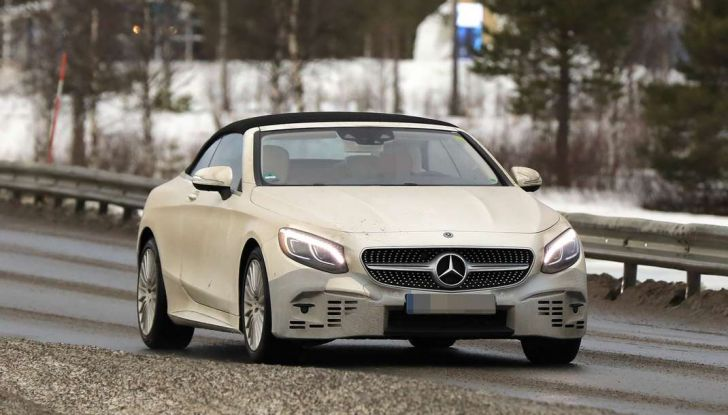 Mercedes Classe S Cabrio restyling, foto spia, 3/4 frontale laterale.