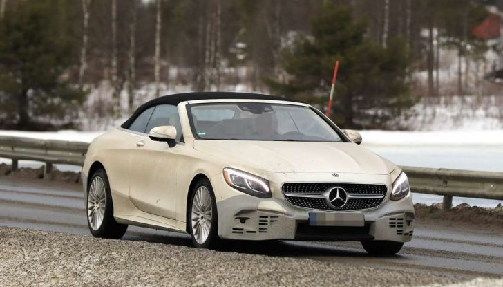 Mercedes Classe S Cabrio restyling, foto spia, frontale laterale.