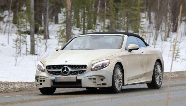 Nuova Mercedes Classe S Cabrio restyling, foto spia, frontale laterale.