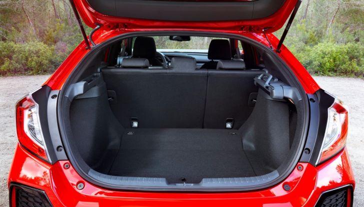 Nuova Honda Civic 2017, ampio bagagliaio.